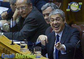 josé sócrates portugal primeiro ministro divertido pelintrão