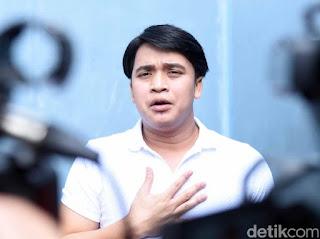 Billy Syahputra Diminta Netizen Jelaskan soal Adik Jadi Tukang Parkir
