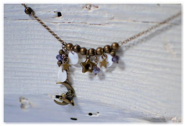 pendentif lapin lune étoiles bronze vieilli et perles swarovski indigo