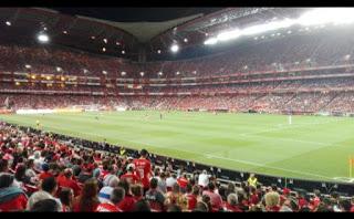 Que bonito é o Estádio da Luz cheio