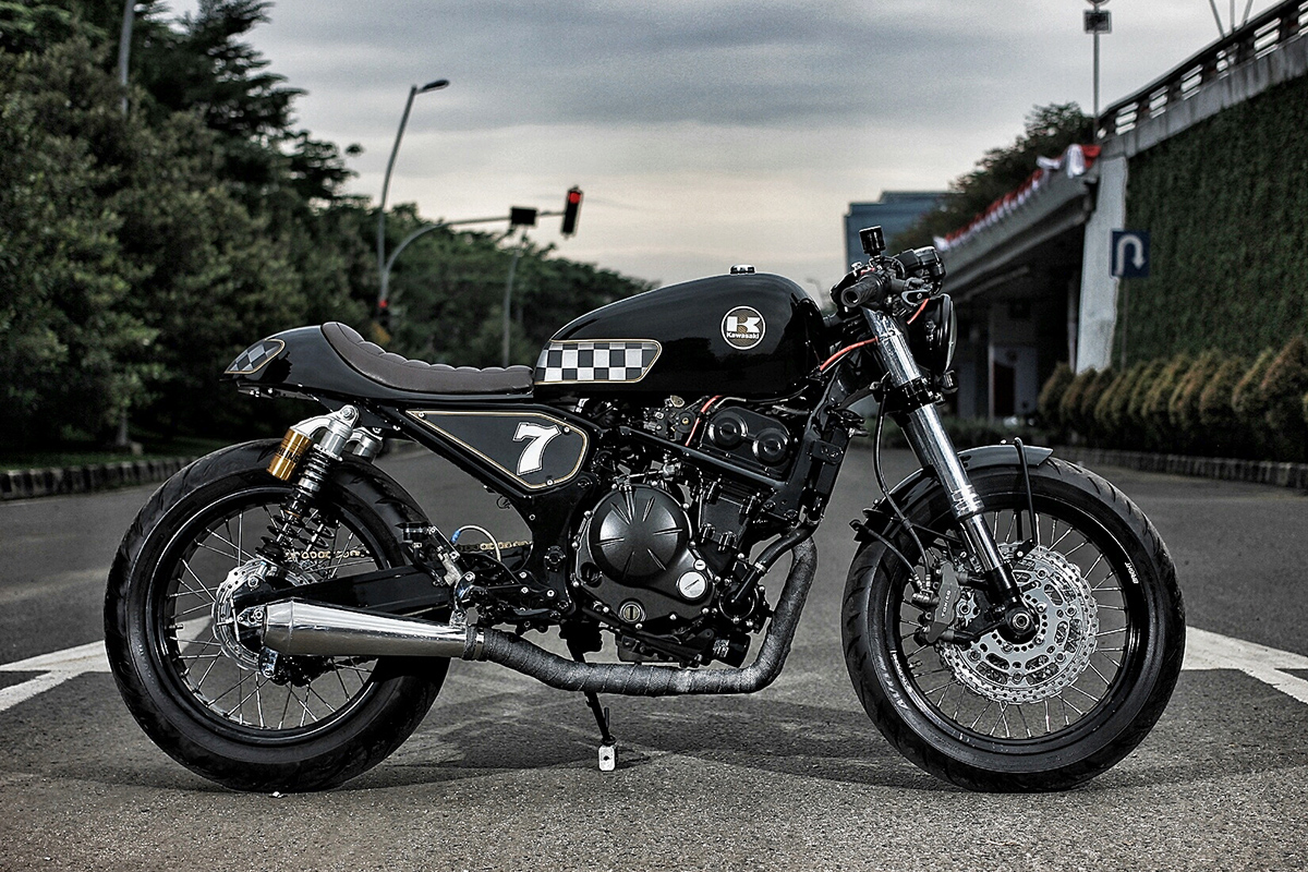 batten down kawasaki er6n cafe racer return of the cafe racers. Black Bedroom Furniture Sets. Home Design Ideas