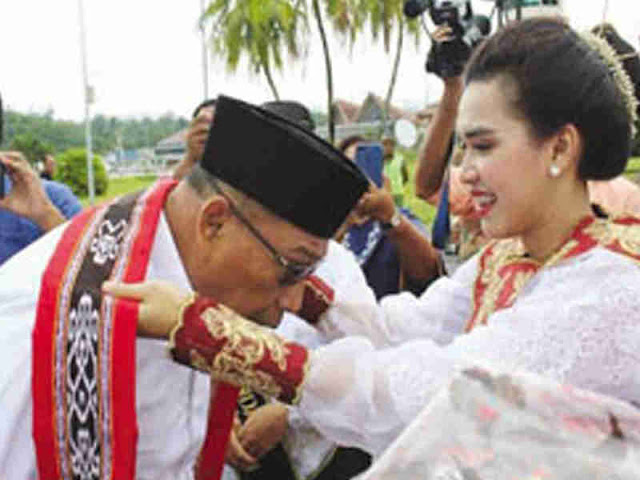 Usai Dilantik Presiden Jokowi, Murad Ismail dan Barnabas Orno Disambut di Bandara Pattimura Ambon