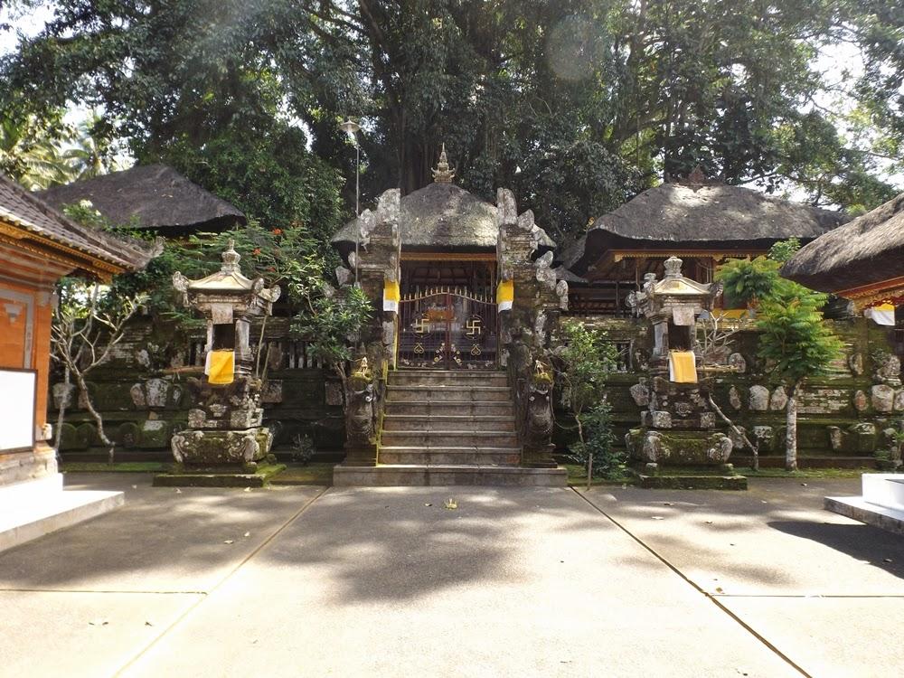 Pura Geriya Sakti Manuaba terletak di Desa Pakraman Manuaba tepatnya di  Banjar Tangkas Desa Kenderan Tegallalang Gianyar Bali sekitar 17 Km dari  kota ... b7b143e748