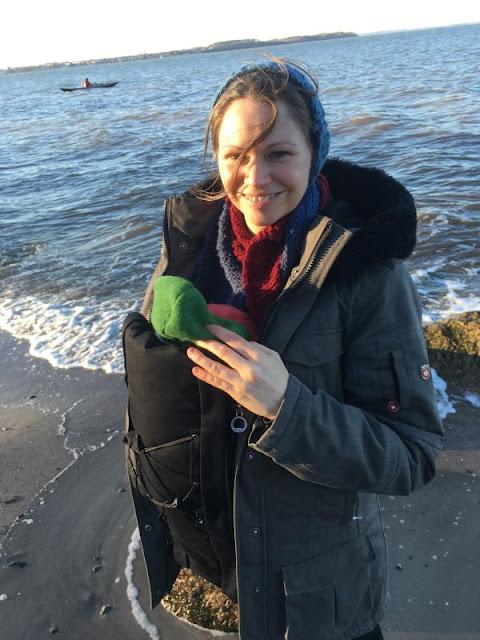 """Nathalie Klüver ist die Autorin von """"Willkommen Geschwisterchen. Entspannte Eltern und glückliche Kinder"""", einem hilfreichen Ratgeber aus dem Trias Verlag."""