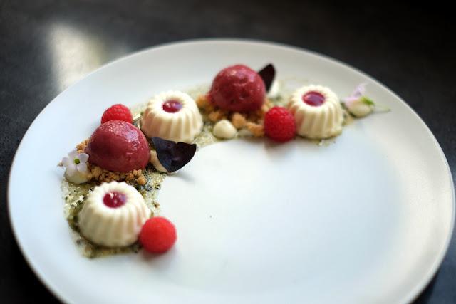 """Dessert von Bloggerin Janina Lindemann vom Foodblog """"Bei Freunden""""."""