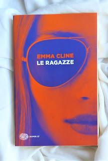 Le ragazze - Emma Cline {Recensione no-spoiler} felice con un libro