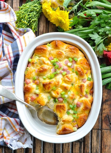 OVERNIGHT HAM EGG AND CHEESE MONKEY BREAD