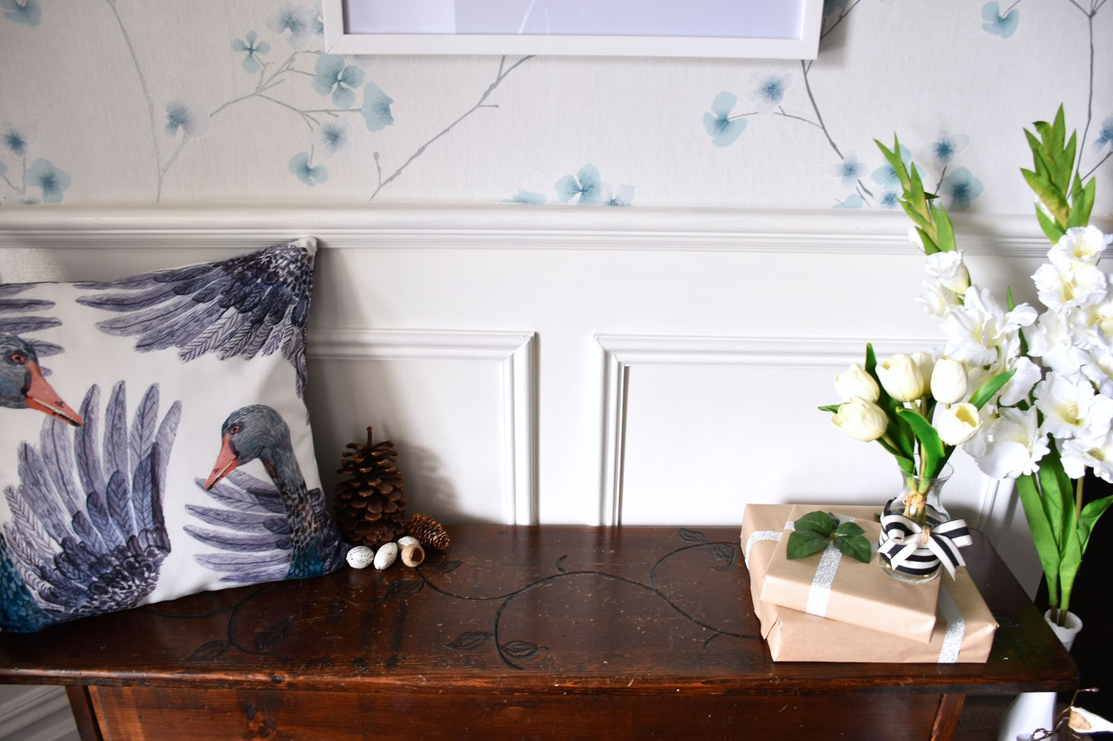 Woman in Real Life:The Art of the Everyday: Our Foyer Makeover ...