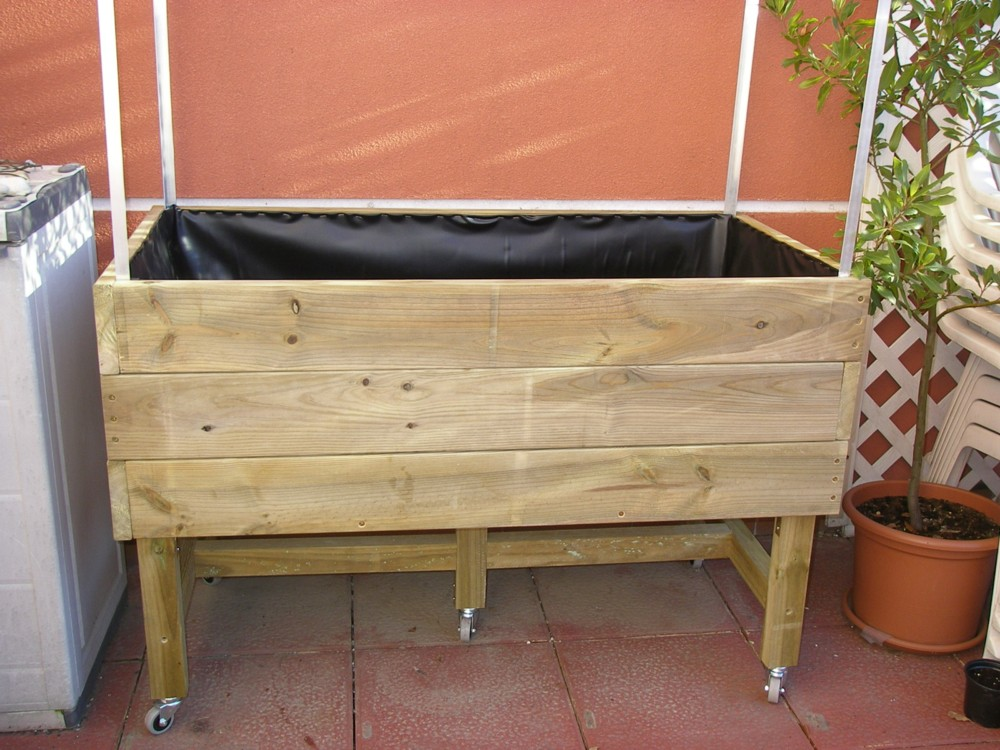 Cultivar el huerto casero mesa de cultivo de madera for Mesa de cultivo casera