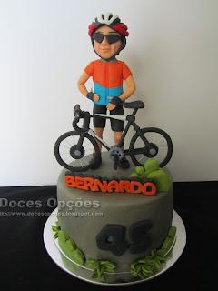 Bolo de aniversário do ciclista Bernardo