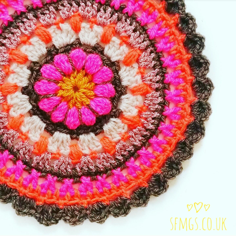 free floral flower crochet pattern mandala boho 70s