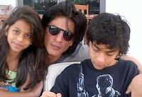 Shahrukh Khan dengan Anak-anaknya Suhana dan Aryan