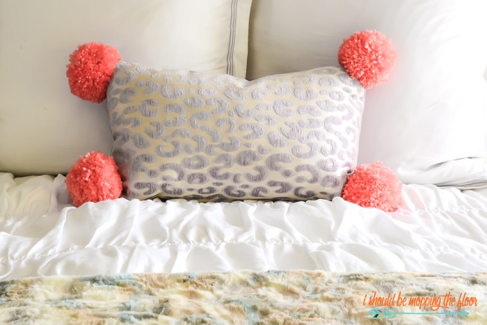 No-Sew Pom Pom Pillow