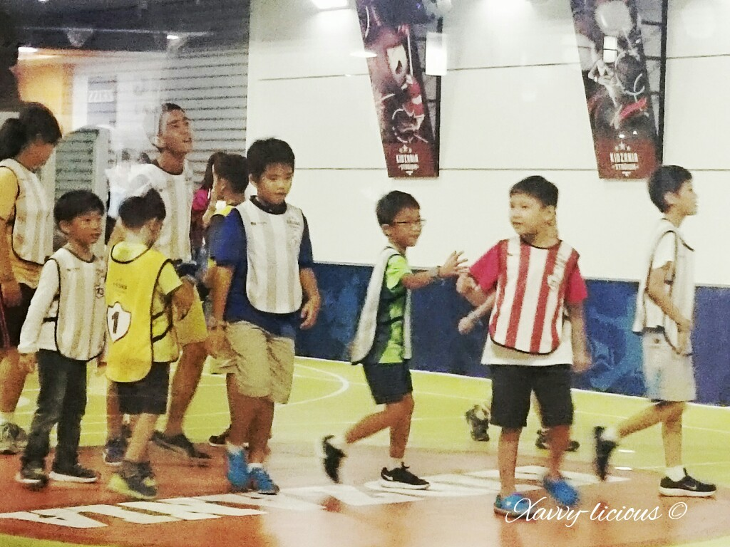 Xavvy Licious Kidzania Singapore With Stag Match Tuition Centre Suplement Kidzos The Boys Managed To Try Out As A Courier Crew Well