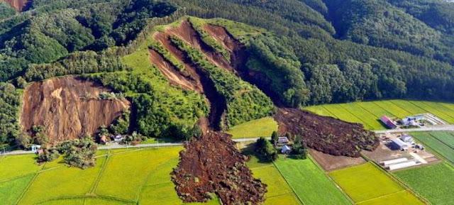 Πρωτοφανείς εικόνες μετά τα 6,6 Ρίχτερ στην Ιαπωνία - Μετακινήθηκαν βουνά!