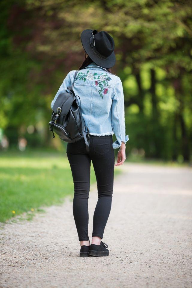 jeansowa kurtka z haftem na plecach | kurtka z dżinsu | hafty | haftowana kurtka | stylizacja grunge | jak nosić styl grunge? | styl grunge blogerka | stylizacja z kapeluszem | blog modowy | blog szafiarski | blogerka z Łodzi