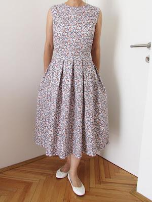 http://ladylinaland.blogspot.hr/2017/10/sew-many-dresses.html