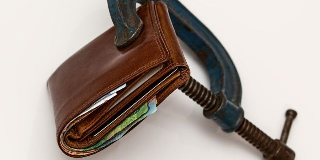 Aplazar el pago de impuestos e imposiciones