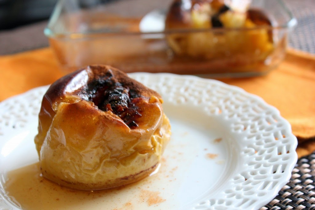 http://thehungarybuddha.com/2014/08/apples-baked-prunes-honey/
