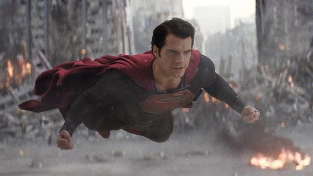 Henry Cavill en una escena de El hombre de acero como el nuevo Superman en la versión actual de 2013