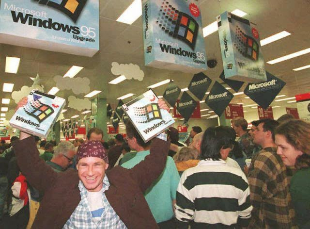 Ultimate Collection Of Rare Historical Photos. A Big Piece Of History (200 Pictures) - Release of Windows 95