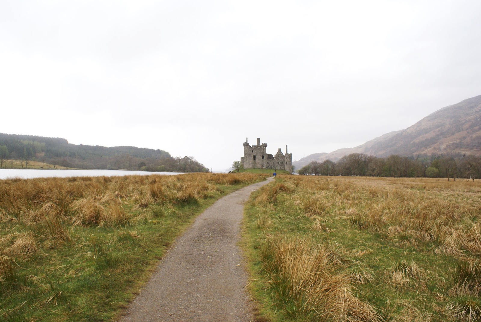 kilchurn castle loch awe highlands scotland uk great britain camomille blend