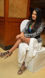 Neha Deshpande Stills At Trendz Vivah Collection Launch ~ Celebs Next