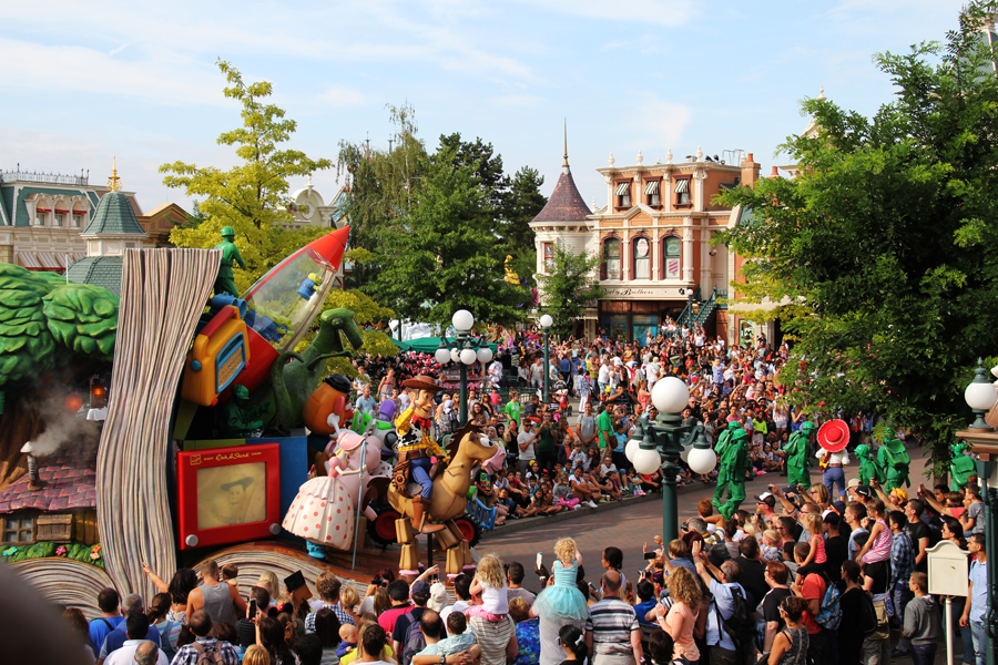 disney land paris  parade