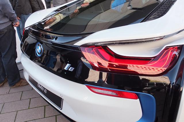 BMW-i8-back