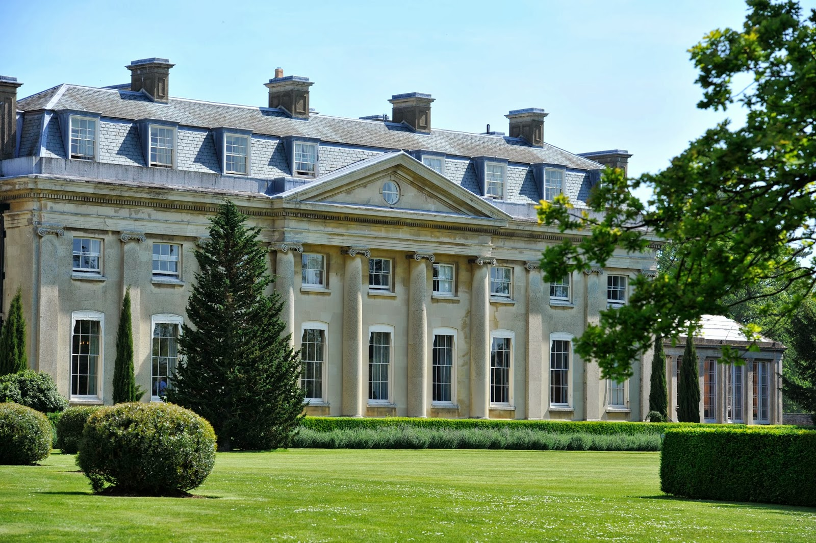 Luxury family holiday at the ickworth hotel suffollk for Small luxury hotel 7 little words