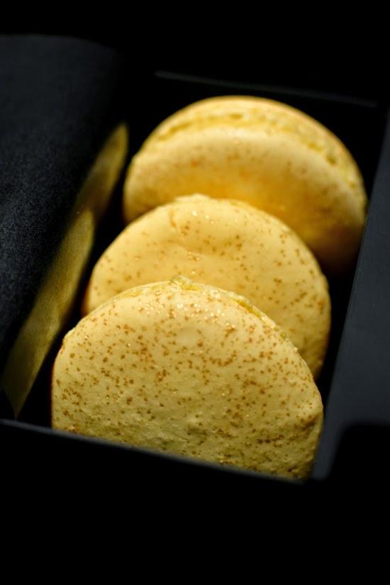 Hakkasan golden champagne macarons