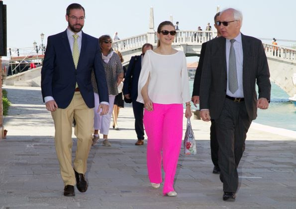 "Hereditary Grand Duke Guillaume and Hereditary Grand Duchess Stéphanie visited the ""Viva Arte Viva"" official exhibition at Venetian Arsenal in Venice. Duchess wore Pink trousers and satin blouse"
