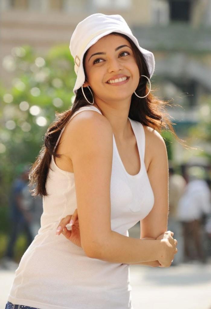 Sexy Lady On The Floor Kajal Agarwal-2557