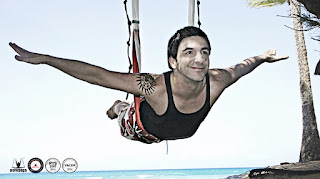 aeroyoga, yoga, aereo, aerial, aerien, air, aire, fly, flying, que es, informacion, teacher training, suspension, cursos, seminarios, workshop, talleres, gravity