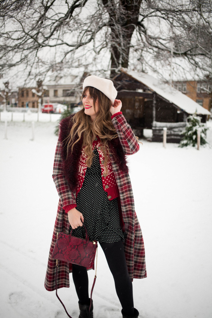 Outfit: mixing prints and Moon Boots in the first snow