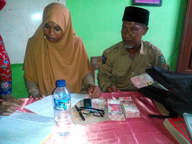 Ratusan Siswa SDN-21 Kobi Senang Terima Uang Tunai dari Program Indonesia Pintar
