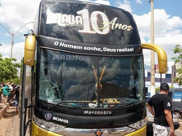 Ônibus de banda da forró Mala 100 Alça
