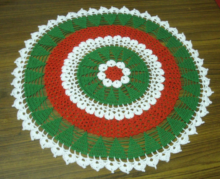 Christmas Tree Doily Pattern