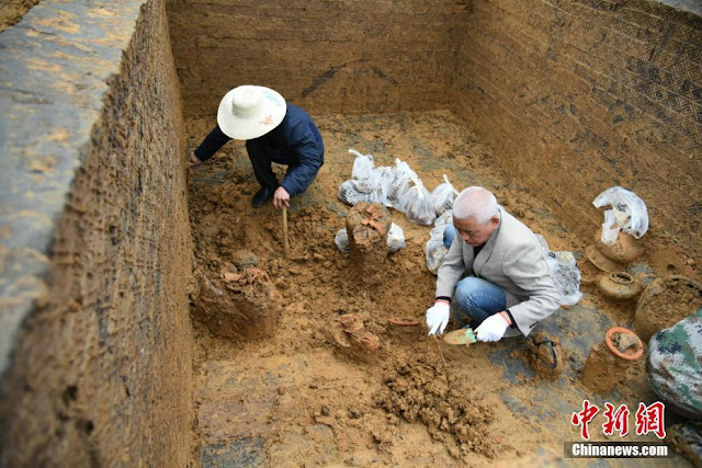 Ancient tomb discovered in southwest China
