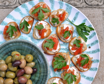 Red Pepper Crostini, one of three Easy Italian Appetizers ♥ KitchenParade.com, make ahead then quickly assemble. Low Cal. Low Carb. Pretty on a Plate. Weight Watchers Friendly.