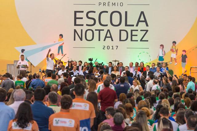 Governo do Ceará reúne estudantes e educadores para a entrega do prêmio Escola Nota 10