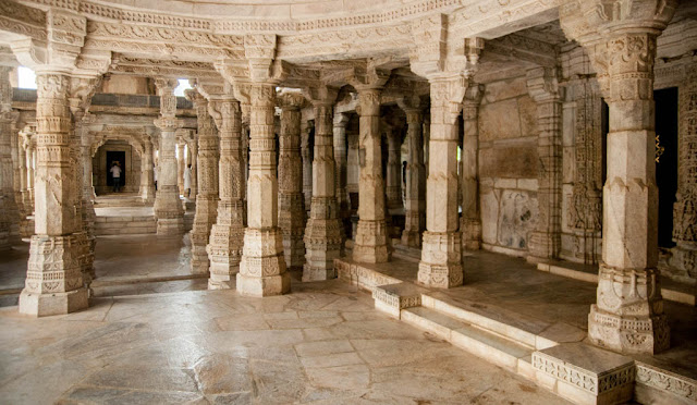 Interior Templo de Chaumukha