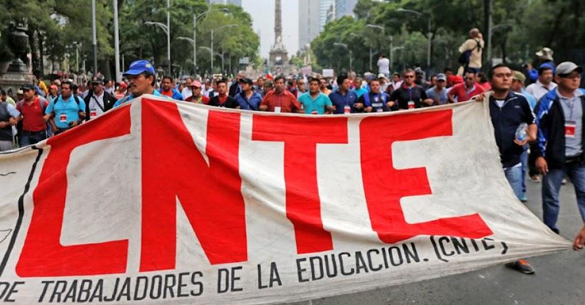 Maestros CNT - México se declaran en «alerta máxima» tras reunión con legisladores y gobierno. Desalojan exteriores de la Cámara de Diputados