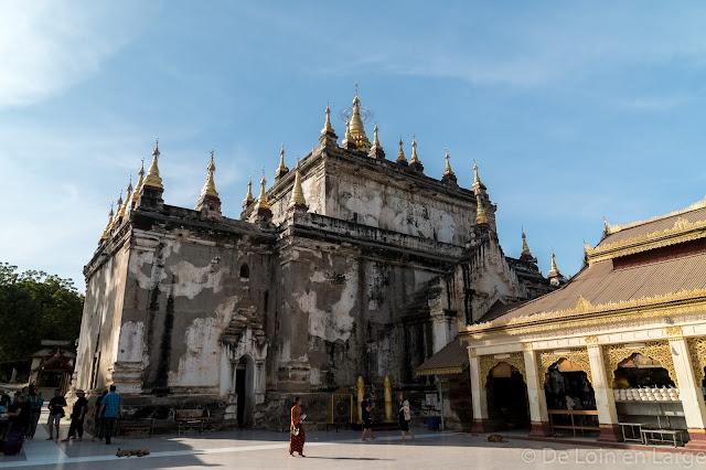 Manuha temple - Bagan - Myanmar - Birmanie