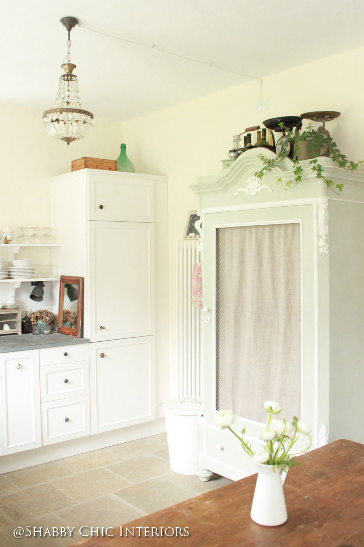 Restyling di una cucina ikea shabby chic interiors - Cucina armadio ikea ...