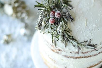 White Christmas Sparkle Cake