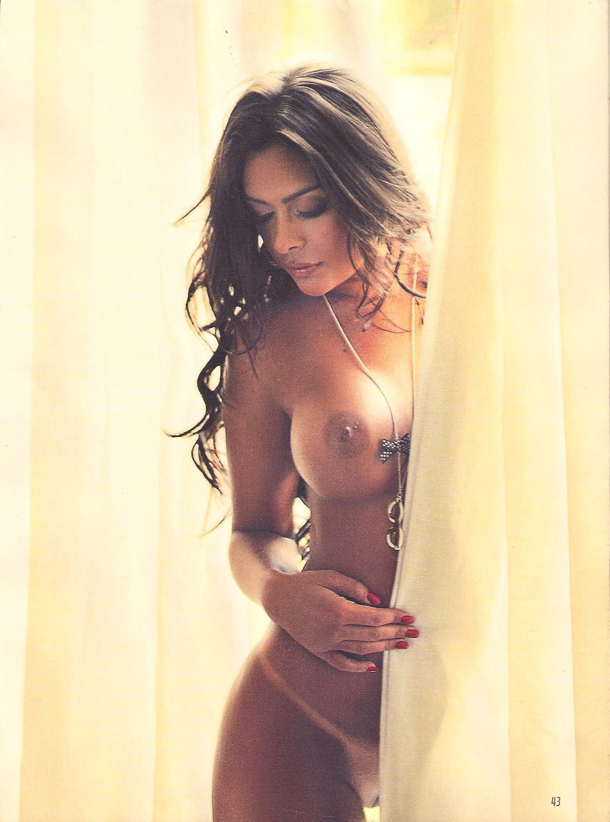Larissa Riquelme Topless Photos