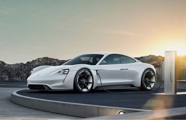 Batteries For Less >> The Porsche Taycan 2020 Will Fill Its Batteries In Less Than An Hour