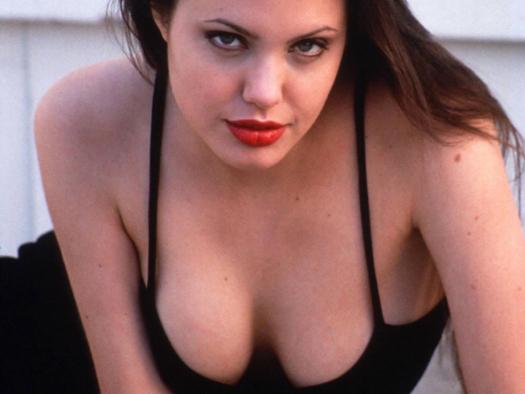 Camilla Jolie Pictures 111