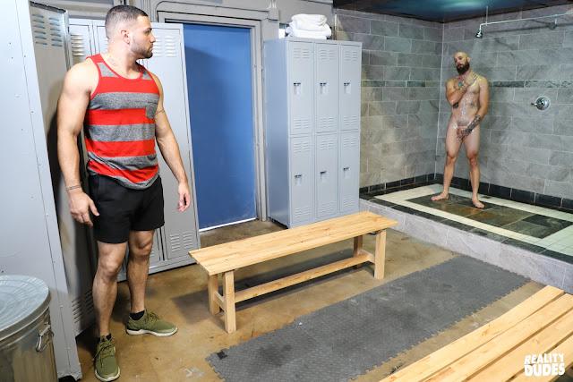 Reality Dudes Network - Dudes In Public 31 - Locker Room - Julian Knowles / Dustin Steele